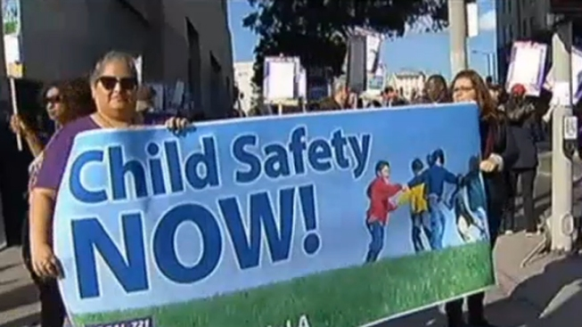 Los Angeles Children's Social Workers Continue Strike Over Caseloads