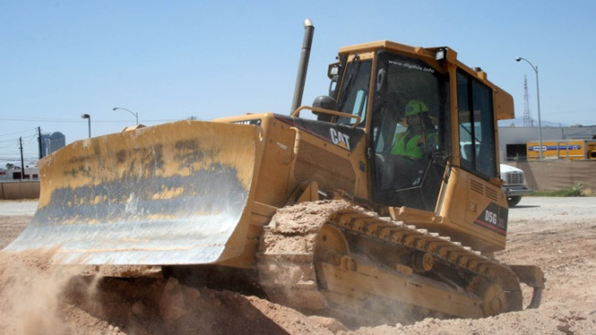 For the Real Dirt on Las Vegas, Try a Bulldozer