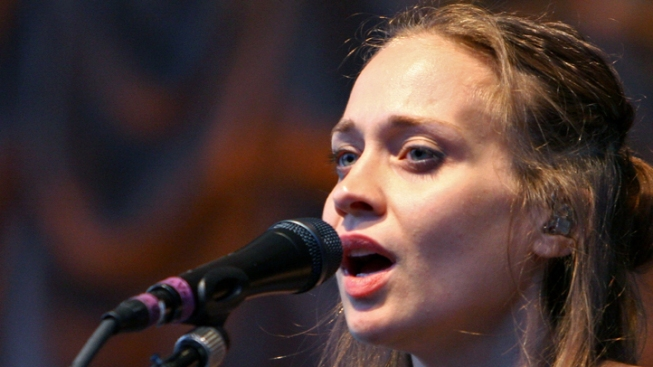 Fiona Apple Postpones South American Tour to Care for Her Dying Dog