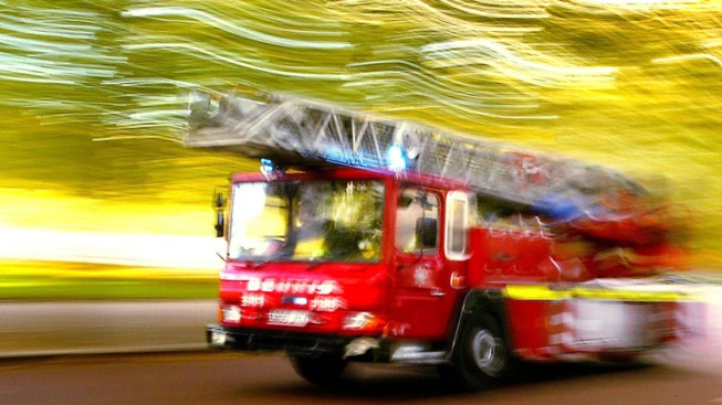 Van Nuys Apartment Fire Causes Estimated $105,000 in Damage