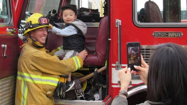 Thank a Firefighter at a Firehouse Open House Day