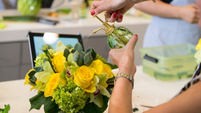 New: The Do-It-Yourself Flower Bar