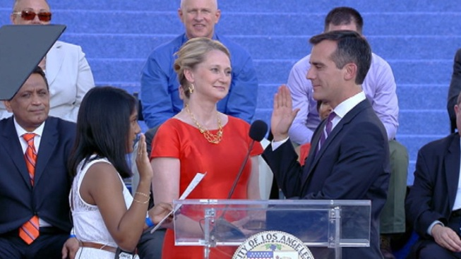 LA Mayor Eric Garcetti to Meet-and-Greet Residents on One-Year Anniversary
