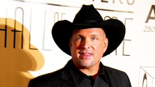 Garth Brooks Heads for Country Hall of Fame, Looks Ahead
