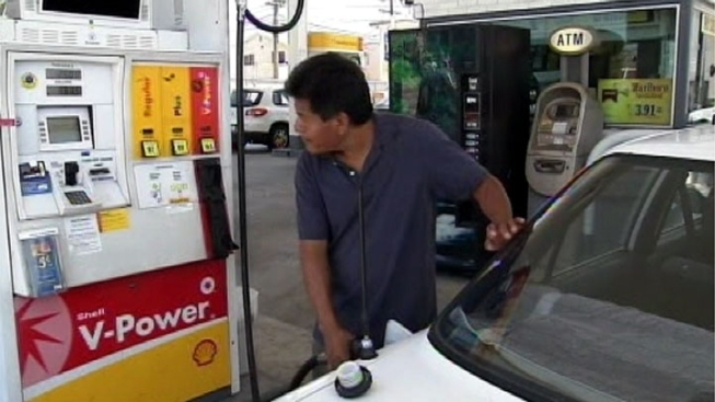 As Gas Prices Drop, Holiday Car Travel Expected to Increase