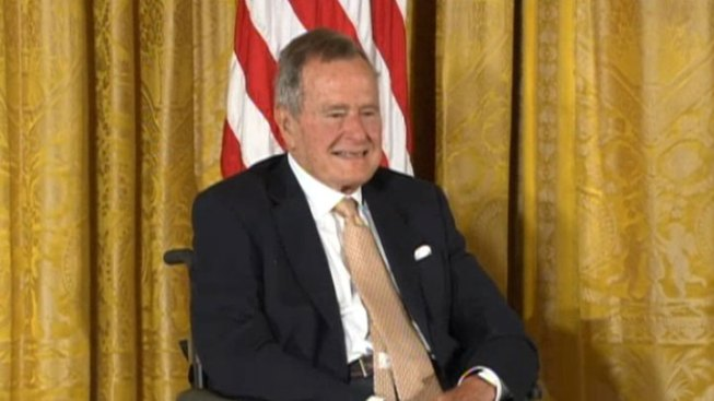 Obama, Elder Bush Celebrate 5,000th Point of Light Award