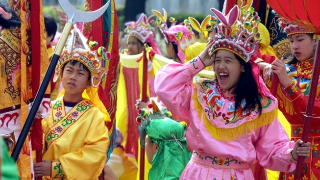 Weekend: 117th Golden Dragon Parade