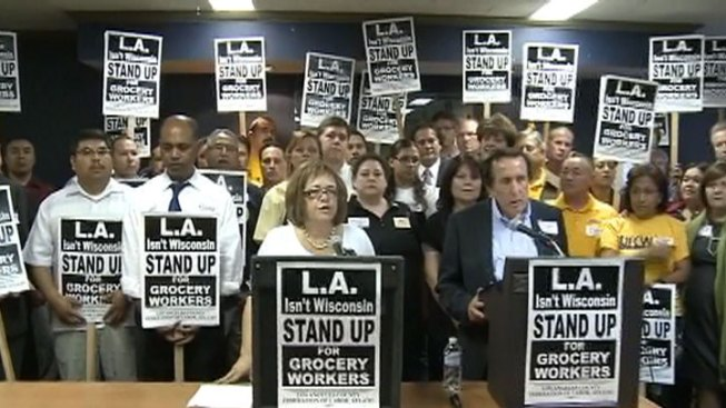 Health Benefits at Issue in Looming Grocery Workers Strike