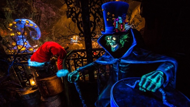 Anaheim Eek: Hatbox Ghost Goes Holiday