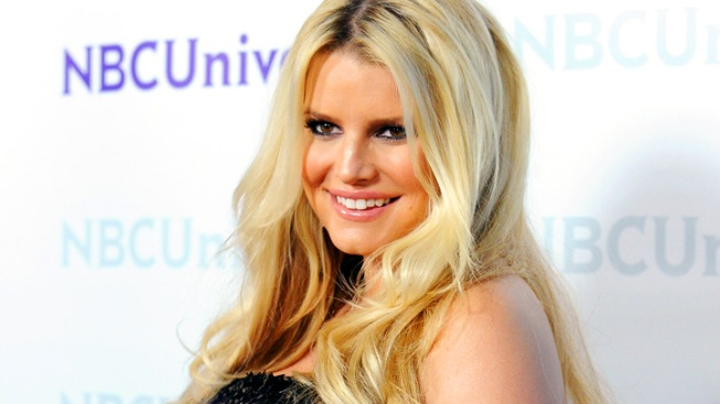"Jessica Simpson Was ""Shocked"" by Second Pregnancy, Vows Not to Eat Everything in Sight"