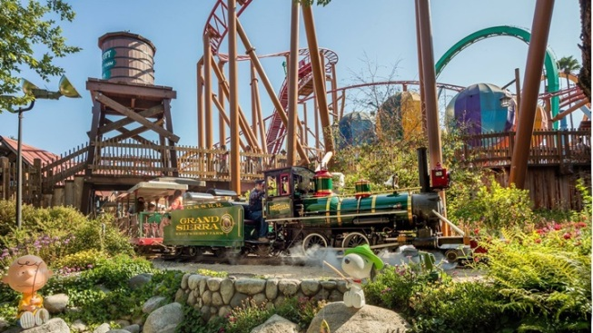 Knott's Berry Farm: Major Item Auction