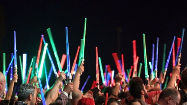 Downtown Glow: Lightsaber Battle LA