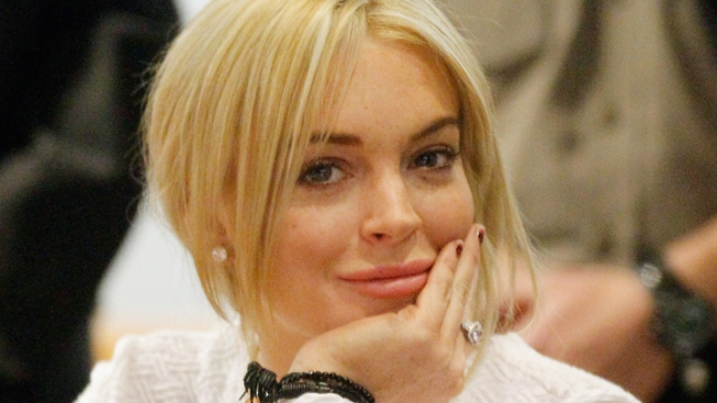 Lindsay Lohan Takes In Some Bowling Time