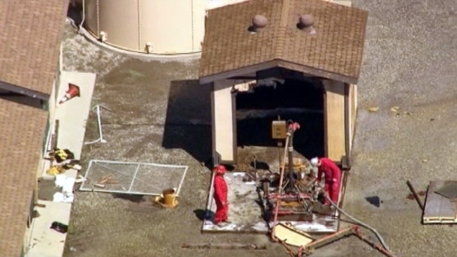 """Worry Over Methane """"Burps"""" Keeps Evacuated Residents Out of Homes"""