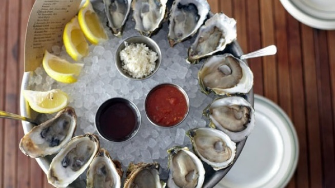 L & E Anniversary: Complimentary Oysters