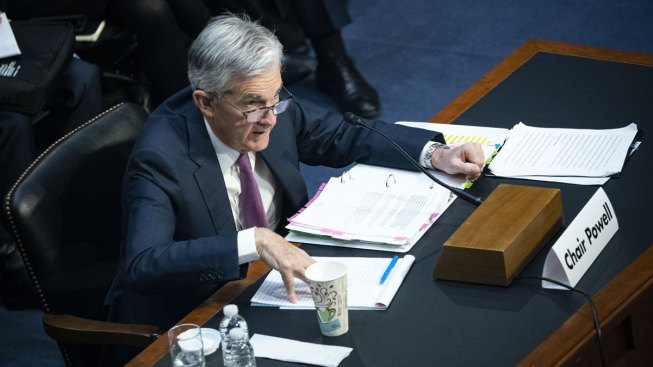 Fed's Powell Sees Steady Growth, Signals Pause in Rate Cuts