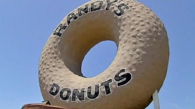 Randy's Donuts to Open Second Outpost