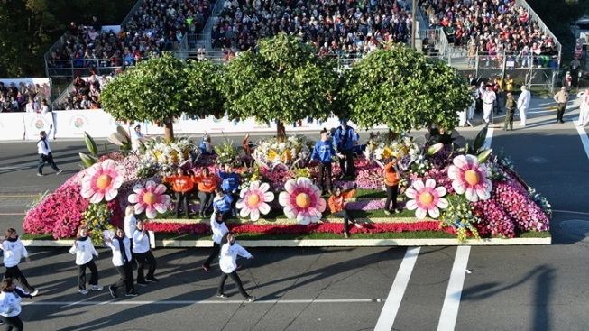 Rose Parade in June: First Float Testing