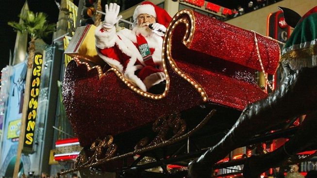 Hollywood Christmas Parade Route (and Where to Park Your Sleigh)