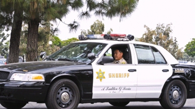 LA County Sheriff's Deputy Charged With Beating Teenage Inmate in Patrol Car, Prosecutors Say