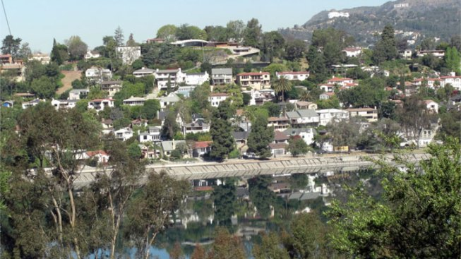 "Silver Lake Reservoir Joggers Warned of Four ""Armed and Dangerous"" Robbers"