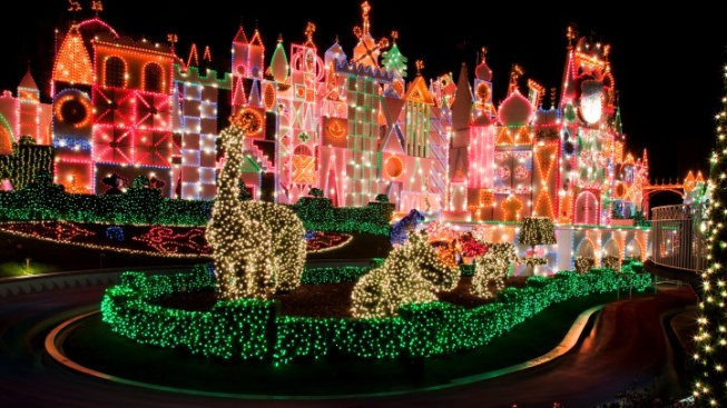 holidays at disneyland resort ho ho open