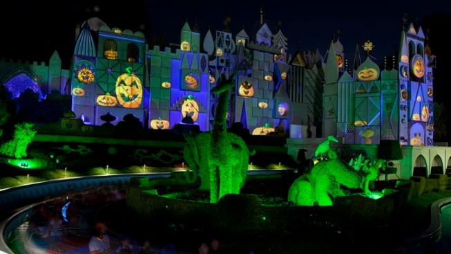 Disneyland Halloween: It's a Small (Spooky) World