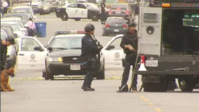 Barricade Situation Ends in South LA