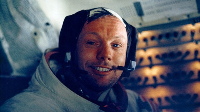 Celebs React to Neil Armstrong's Death: The Stars and the Moon Man