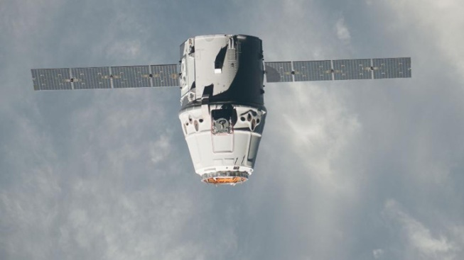 Dragon Cargo Capsule Splashes Down With Plants, Space LEGOs