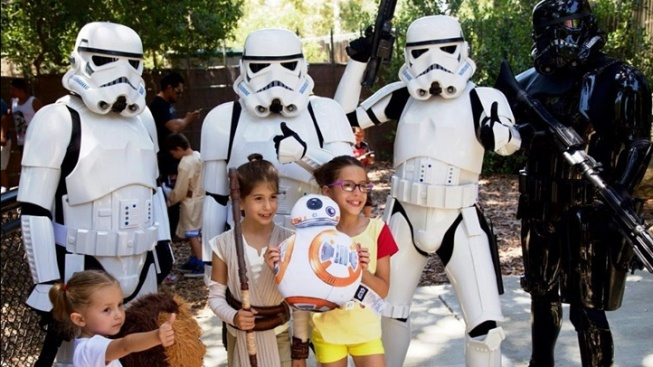 Jedi Fly for 'Star Wars' Day at OC Zoo