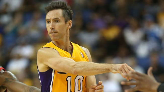 "Lakers Shootaround Report: Bryant ""Old,"" Nash Helping Howard"