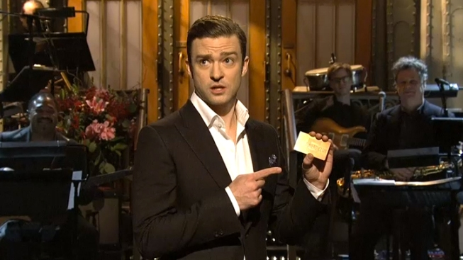 "Timberlake Reprises ""Candle in the Wind"" During Chavez Funeral on ""SNL"""