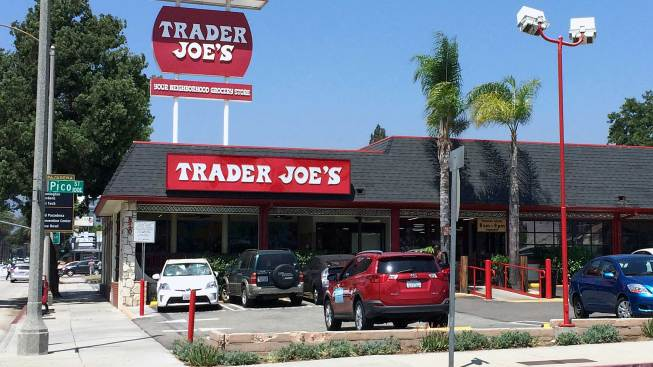 Trader Joe's Tops List of Favorite Grocery Chains