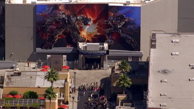 """""""Technical Difficulty"""" Halts Theme Parks' """"Transformers"""" Ride"""