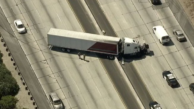 Big-Rig Crash Blocks Lanes in Both Directions on 101 in Calabasas
