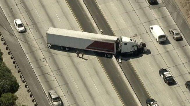 Big-Rig Crash Blocks Lanes in Both Directions on 101 in Calabasas