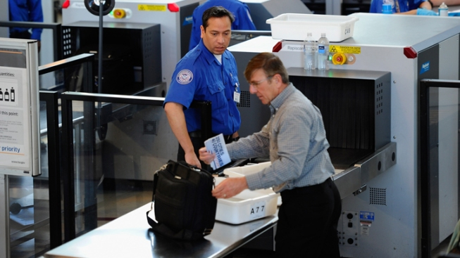 TSA Delays Policy Allowing Knives on Planes