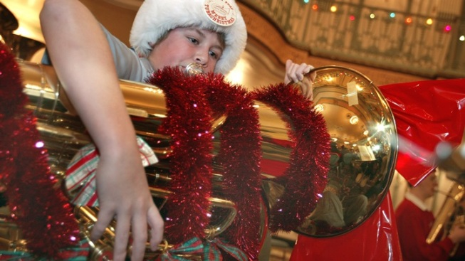 Heck Yeah: Dozens of Tubas Playing Carols for Free