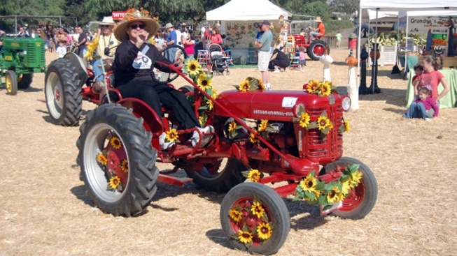 Underwood Family Farms: Fall Fest Opens