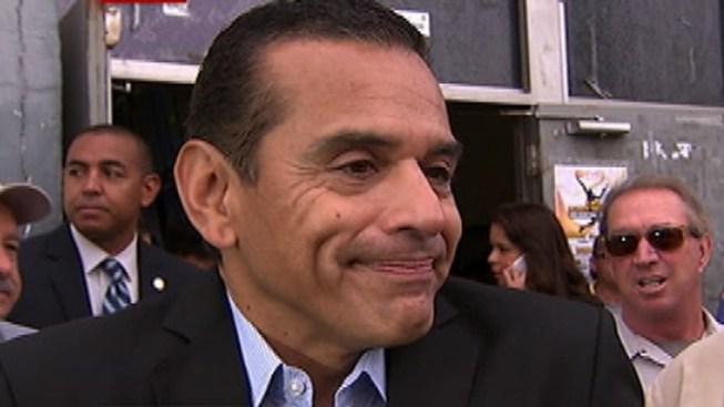 Villaraigosa Closes Tenure as Mayor with Farewell Tour