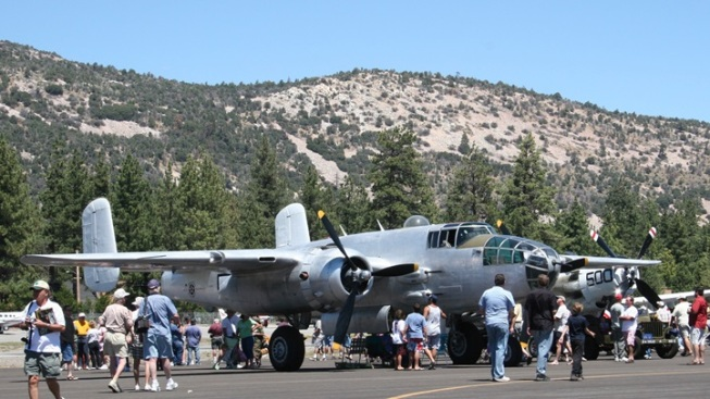 Vintage Airplanes Alight in Big Bear