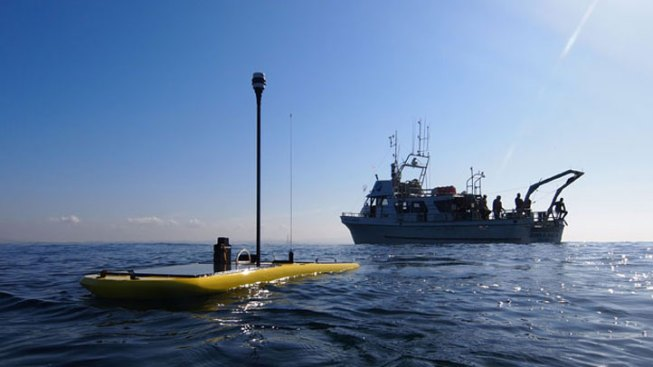 Surfboard-Sized Robot Vessel Makes Journey Across the Pacific