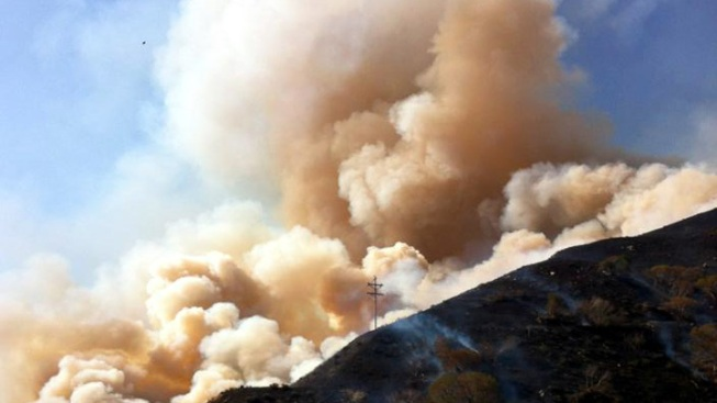 Brush Fire Burns Near 5 Freeway North of Los Angeles