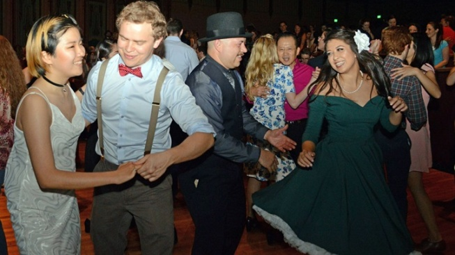Wiltern Swing Dance: Summer Series Opens