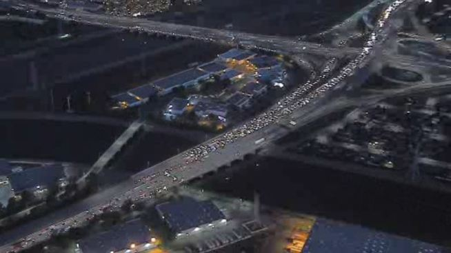 Crash Shuts Down Part of the 605 Freeway in Baldwin Park