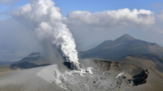Volcanic Eruption in Japan Spews Ash Over Cities, Farms