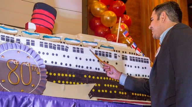Edible Queen Mary: Peek at a Ship-Shaped Cake