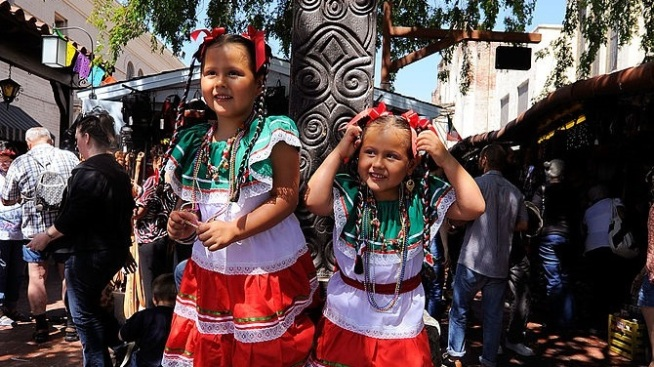 Early Cinco: Olvera Street Celebrates