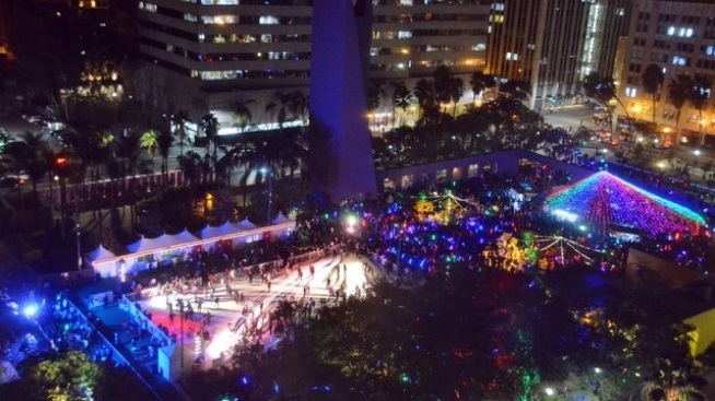 Opening: Holiday Ice Rink at Pershing Square
